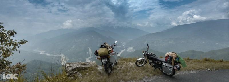 Vue sur la rivière Teesta et sur les montagnes du Sikkim, Himalaya nous voilà !
